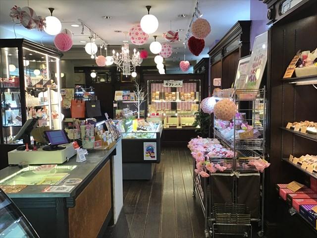 グランマ店内 お菓子 ケーキ